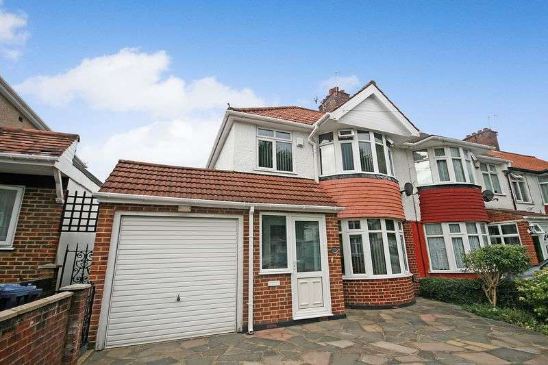 3 Bedrooms Terraced House for sale in Eastcote Avenue, Greenford