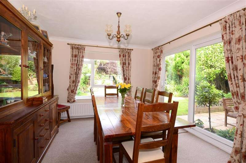 4 Bedrooms Detached House for sale in Cissbury Road, Worthing, West Sussex