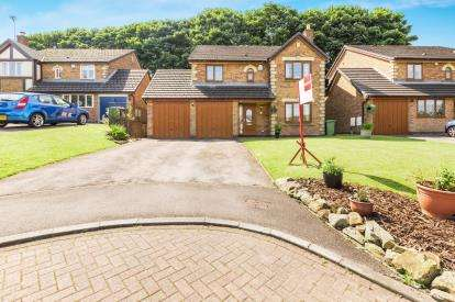 4 Bedrooms Detached House for sale in Woodlea Gardens, Higher Reedley, Brierfield, Lancashire