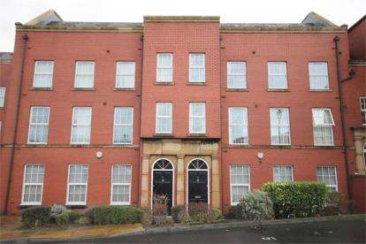 2 Bedrooms Flat for sale in Ampleforth House, Dial Street, Warrington, Cheshire