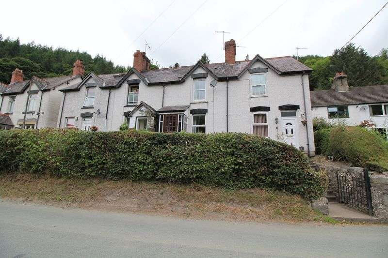 3 Bedrooms Terraced House for sale in Llangollen Terrace, Llangollen