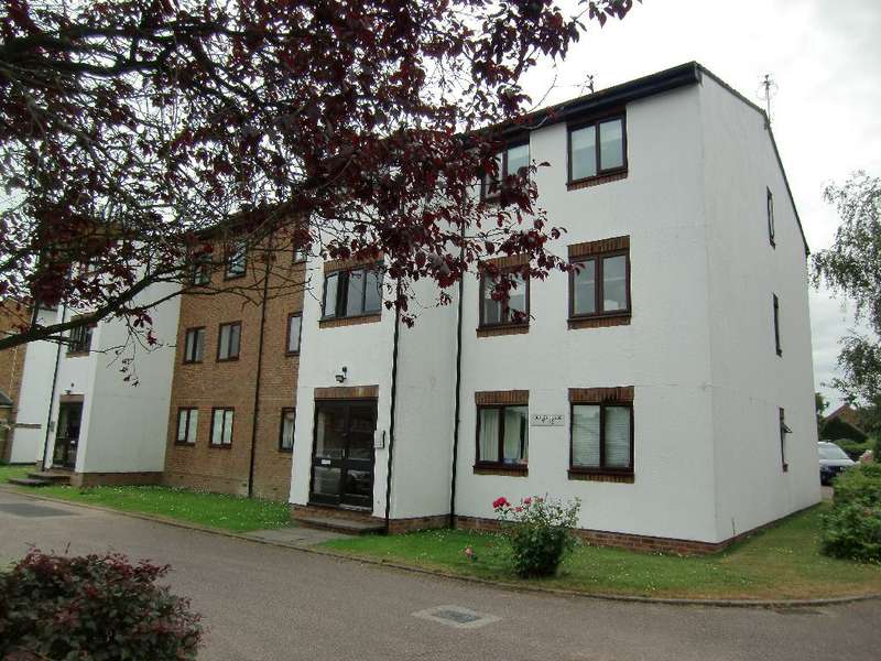 2 Bedrooms Property for sale in Burley House, Queens Drive, Abbots Langley, Herts, WD5