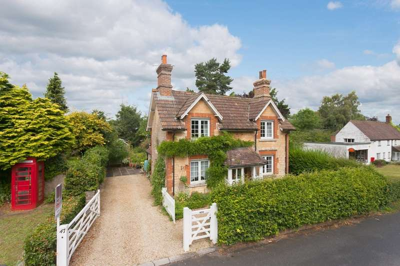 3 Bedrooms Cottage House for sale in Church Road, Derry Hill, Calne