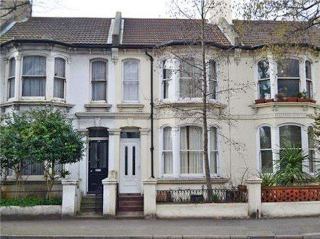 3 Bedrooms Terraced House for rent in Sackville Road, Hove, East Sussex, BN3 3HE