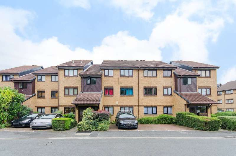 2 Bedrooms Flat for sale in Redgrave Close, Croydon, CR0