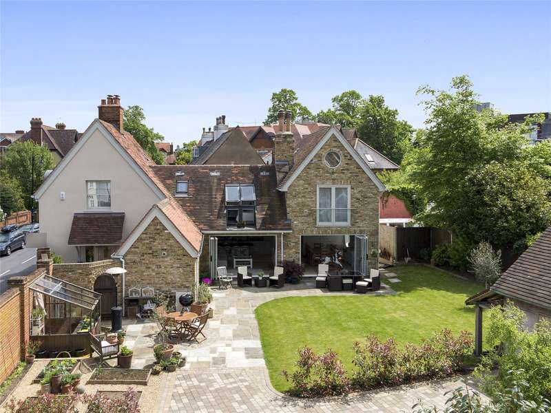 4 Bedrooms Detached House for sale in Bridge Road, Weybridge, Surrey, KT13