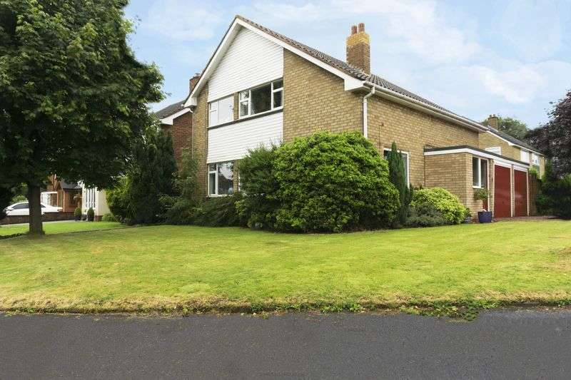 4 Bedrooms Detached House for sale in St. Marys Way, Aldridge, Walsall.