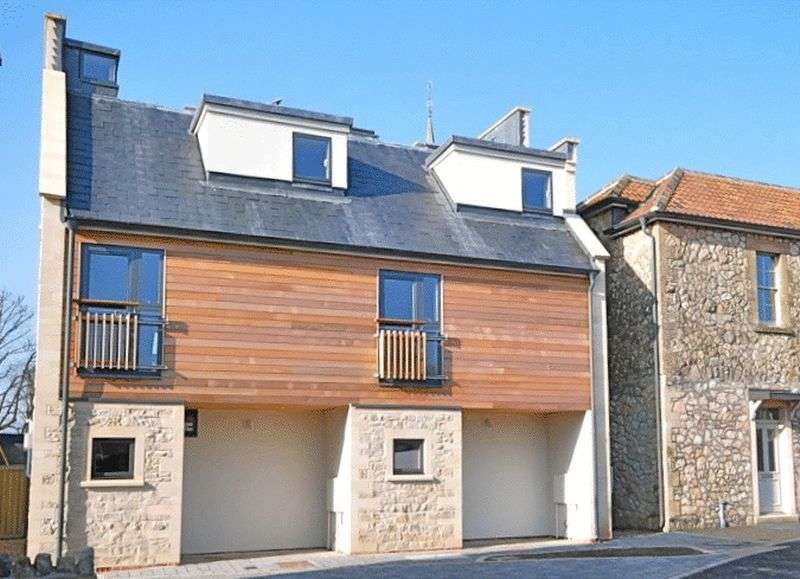 3 Bedrooms House for sale in WELLS. In walking distance of the Cathedral