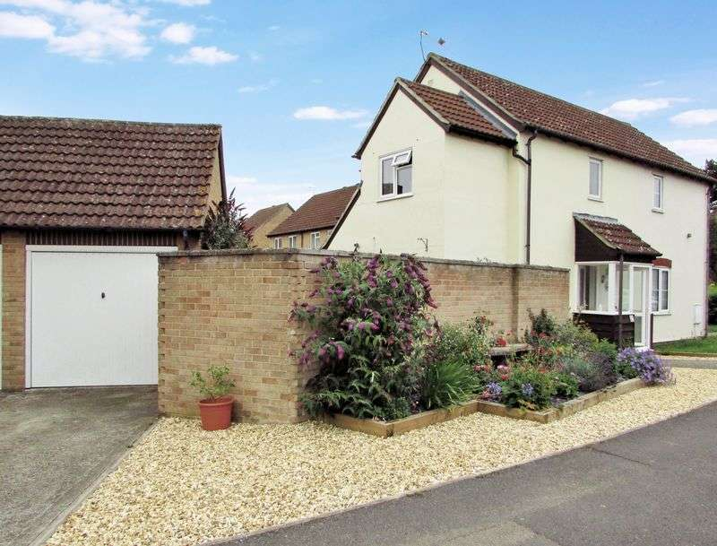 2 Bedrooms Semi Detached House for sale in Grassmead, Thatcham