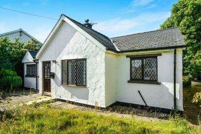 3 Bedrooms Bungalow for sale in Llanbedrog, Gwynedd, LL53