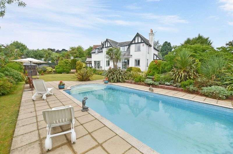 3 Bedrooms Detached House for sale in Mead Road, Torquay