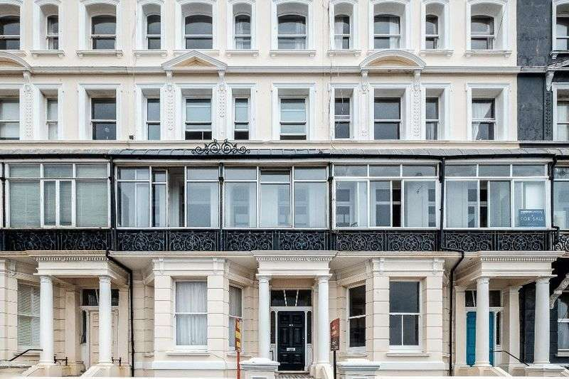 2 Bedrooms Flat for sale in Kingsway, HOVE