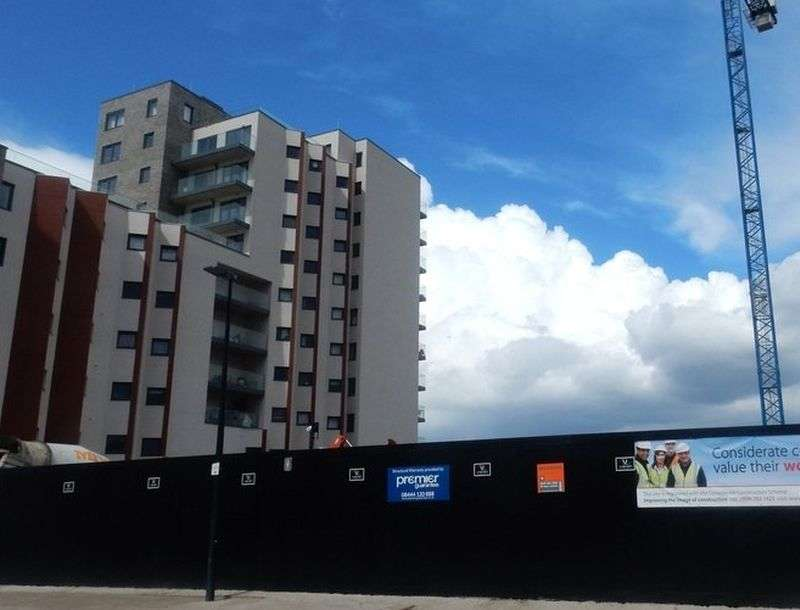 2 Bedrooms Flat for sale in 122 Leven Road, Tower Hamlets