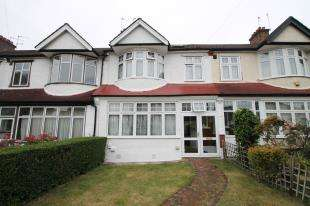 5 Bedrooms Terraced House for sale in Waddon Close, Croydon, Surrey