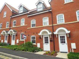 3 Bedrooms Terraced House for sale in George Roche Road, Canterbury
