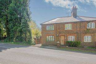 4 Bedrooms Semi Detached House for sale in Little Miswells, North Street, Turners Hill, West Sussex