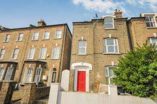 2 Bedrooms Flat for sale in Courthill Road, Lewisham, London