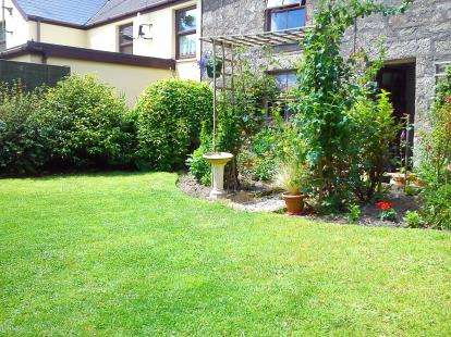 2 Bedrooms Semi Detached House for sale in Helston, Cornwall