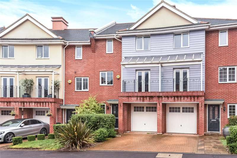 5 Bedrooms Terraced House for sale in Flowers Avenue, Ruislip, Middlesex, HA4