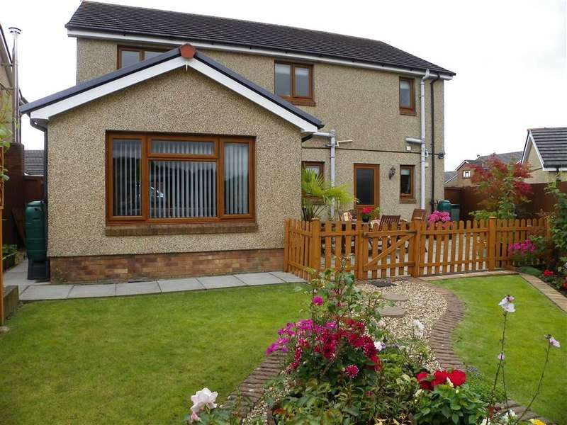 4 Bedrooms Property for sale in Waungoch, Upper Tumble