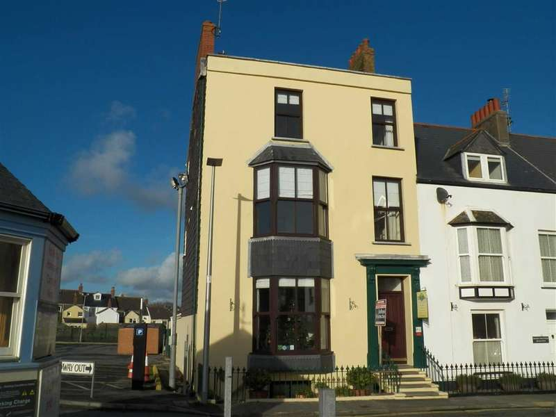 8 Bedrooms Property for sale in South Cliff Street, Tenby