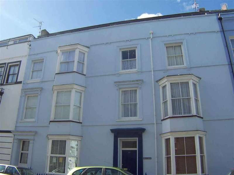2 Bedrooms Flat for sale in Victoria Street, Tenby