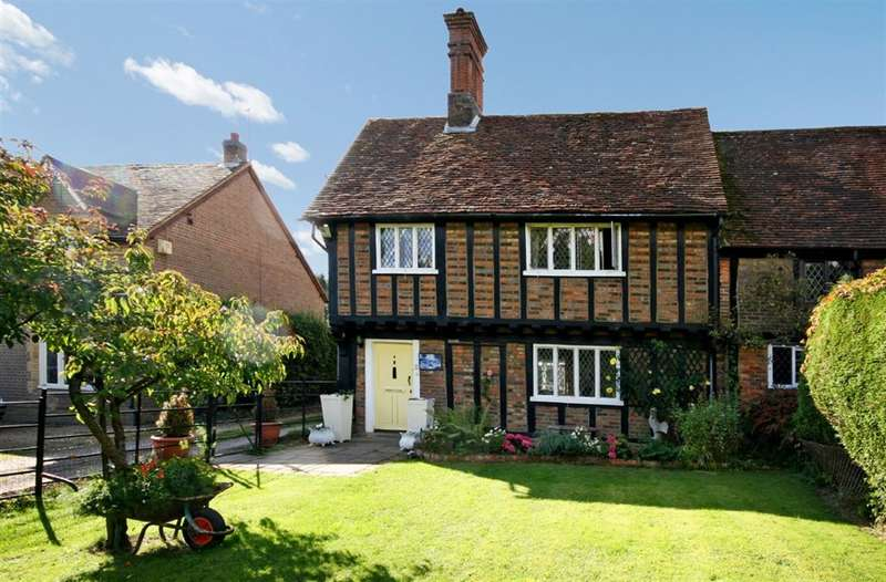 4 Bedrooms Semi Detached House for sale in NR BERKHAMSTED, Hertfordshire, HP1 3BZ
