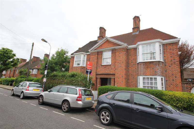 4 Bedrooms Property for sale in Fitzneal Street, East Acton, W12 0BA