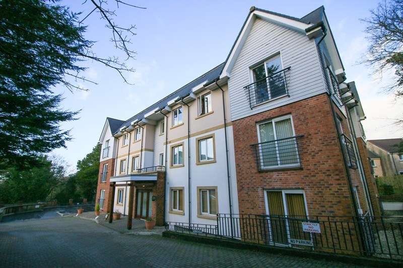 2 Bedrooms Flat for sale in 28 Slieau Ree, Union Mills, IM4 4ND