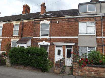 3 Bedrooms Terraced House for sale in Alexandra Road, Skegness, Lincolnshire, England