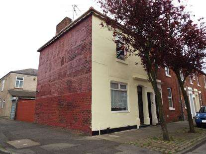 3 Bedrooms End Of Terrace House for sale in Henderson Street, Preston, Lancashire, PR1