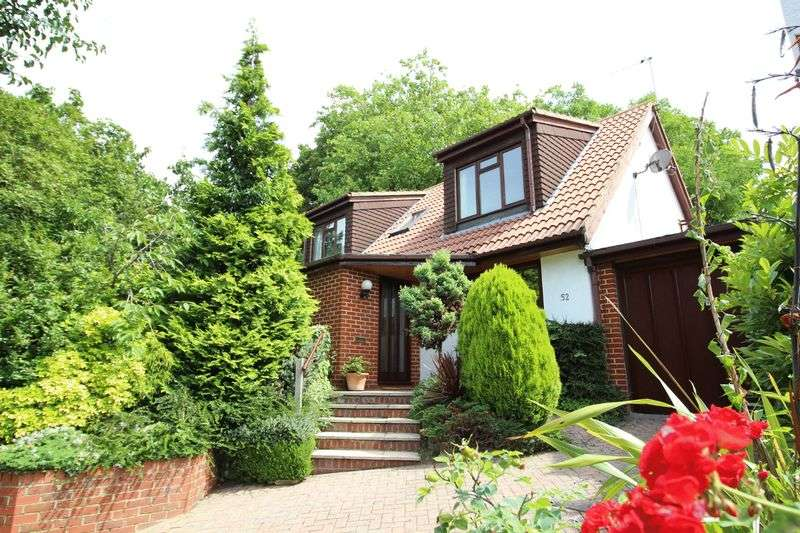 4 Bedrooms Detached House for sale in Castlemaine Avenue, South Croydon, Surrey