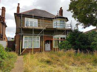 House for sale in Bromley Road, Catford Town Centre, London