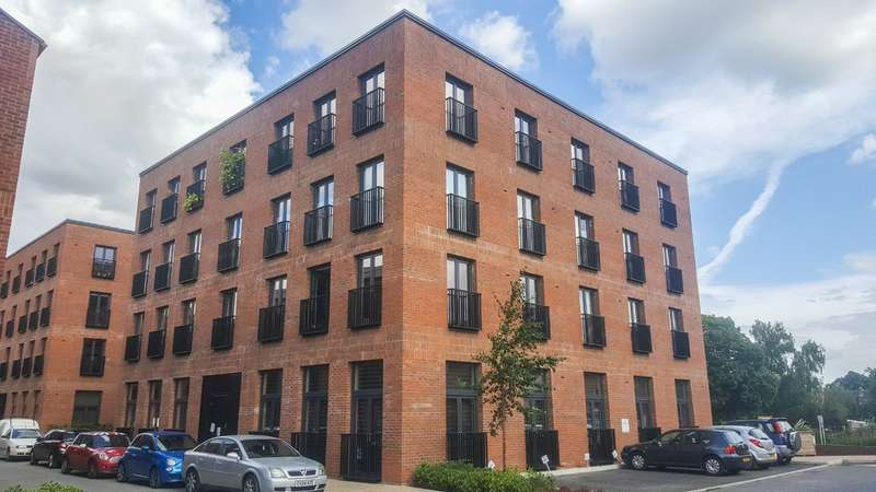 2 Bedrooms Flat for sale in Greyfriars Quarters, Brunswick Rd, Gloucester, GL1 1HT