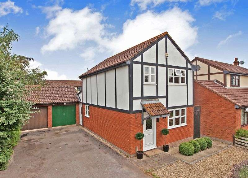 3 Bedrooms Detached House for sale in Kings Drive, Westonzoyland