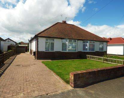3 Bedrooms Bungalow for sale in Butterbache Road, Huntington, Chester, Cheshire, CH3