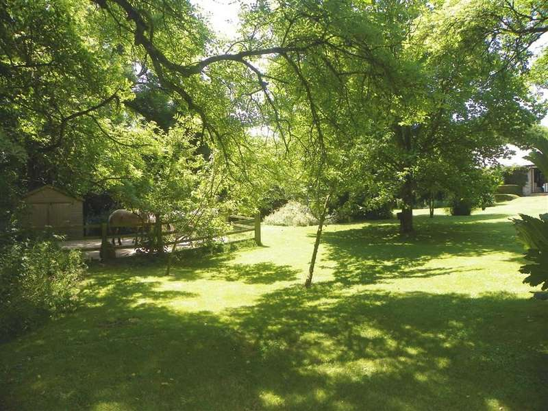 3 Bedrooms Property for sale in Merrion