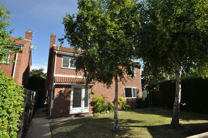 3 Bedrooms Detached House for sale in Queensbury Close, West Mersea