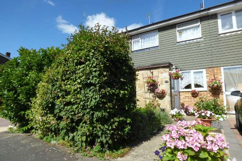 3 Bedrooms Terraced House for sale in Ryecroft Gardens, Blackwater