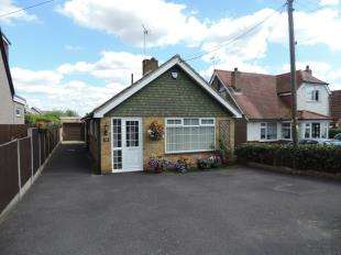 3 Bedrooms Bungalow for sale in Hockers Lane, Detling, Maidstone, Kent