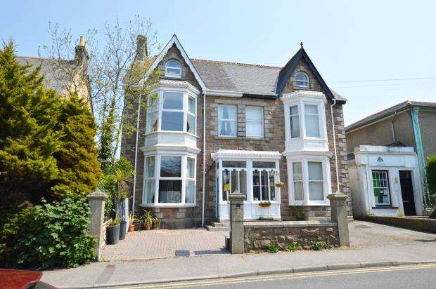 5 Bedrooms Semi Detached House for sale in Basset Road, Camborne, Cornwall