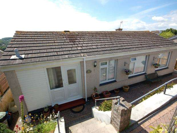 3 Bedrooms Detached Bungalow for sale in Bodrigan Road, East Looe, Cornwall