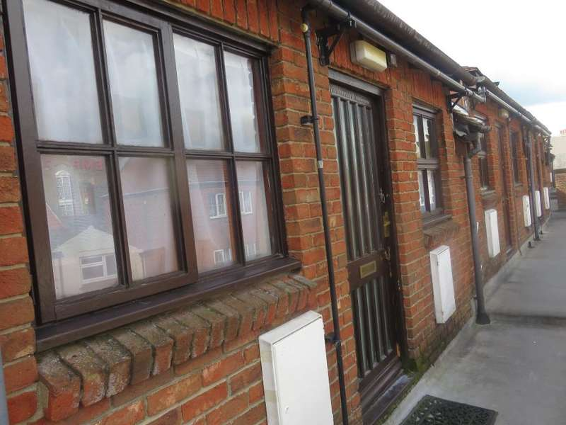1 Bedroom Flat for sale in Church Mews, Wisbech, Cambridgeshire, PE13 1HL