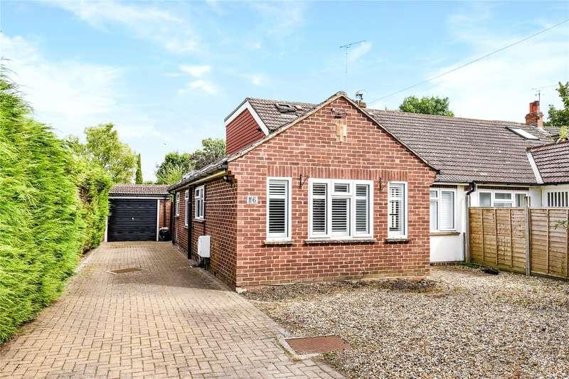 4 Bedrooms Semi Detached Bungalow for sale in Park Road, Sandhurst, Berkshire, GU47