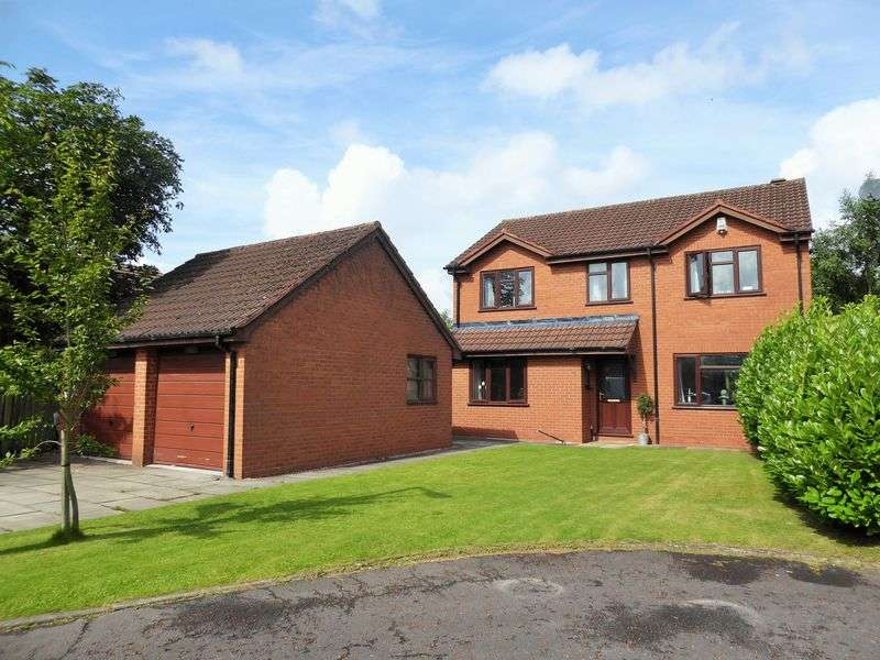 4 Bedrooms Detached House for sale in Chandlers Croft, Hesketh Bank, Preston