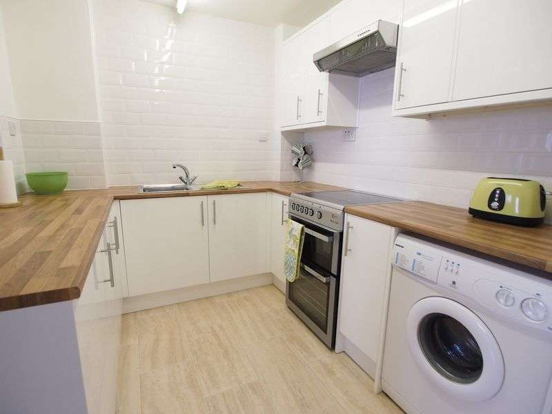 1 Bedroom Flat for sale in Lakeland House, Bare, Morecambe