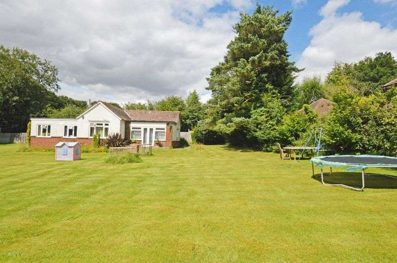 4 Bedrooms Detached Bungalow for sale in Medstead, Alton, Hampshire