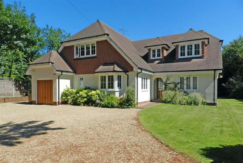 5 Bedrooms Detached House for sale in Lower Wokingham Road, Crowthorne