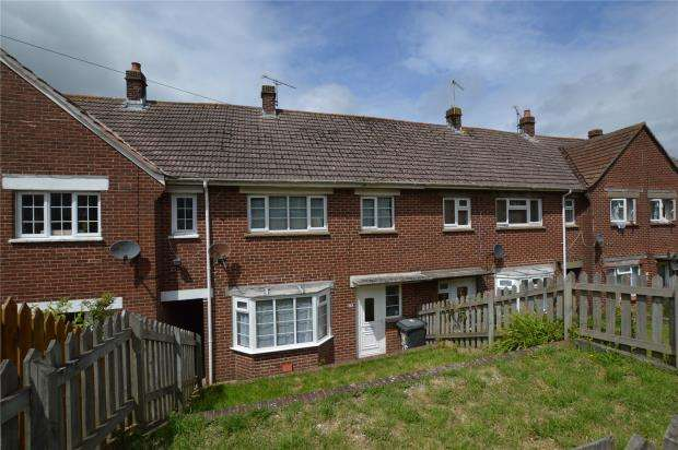 2 Bedrooms Terraced House for sale in Elizabeth Avenue, Brixham, Devon