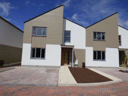 3 Bedrooms Semi Detached House for sale in Hayling Road, Hampshire